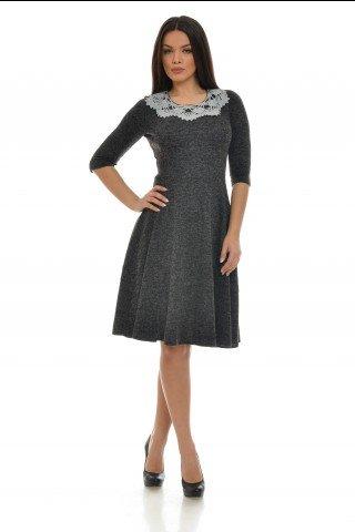 Rochie in clos neagra uni cu guler tricotat manual