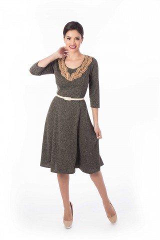 Rochie in clini kaki uni cu guler tricotat manual