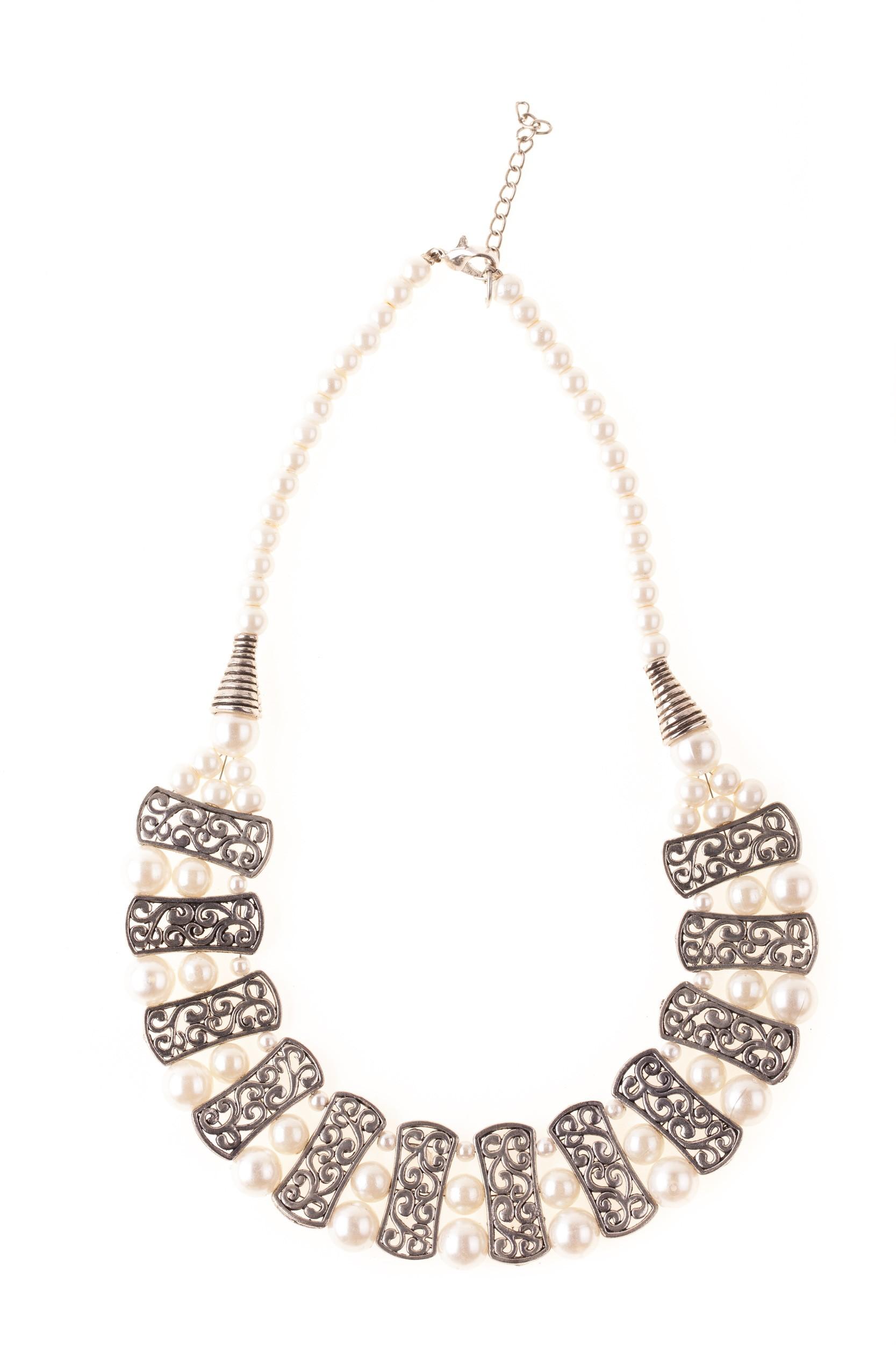 Colier argintiu cu perle