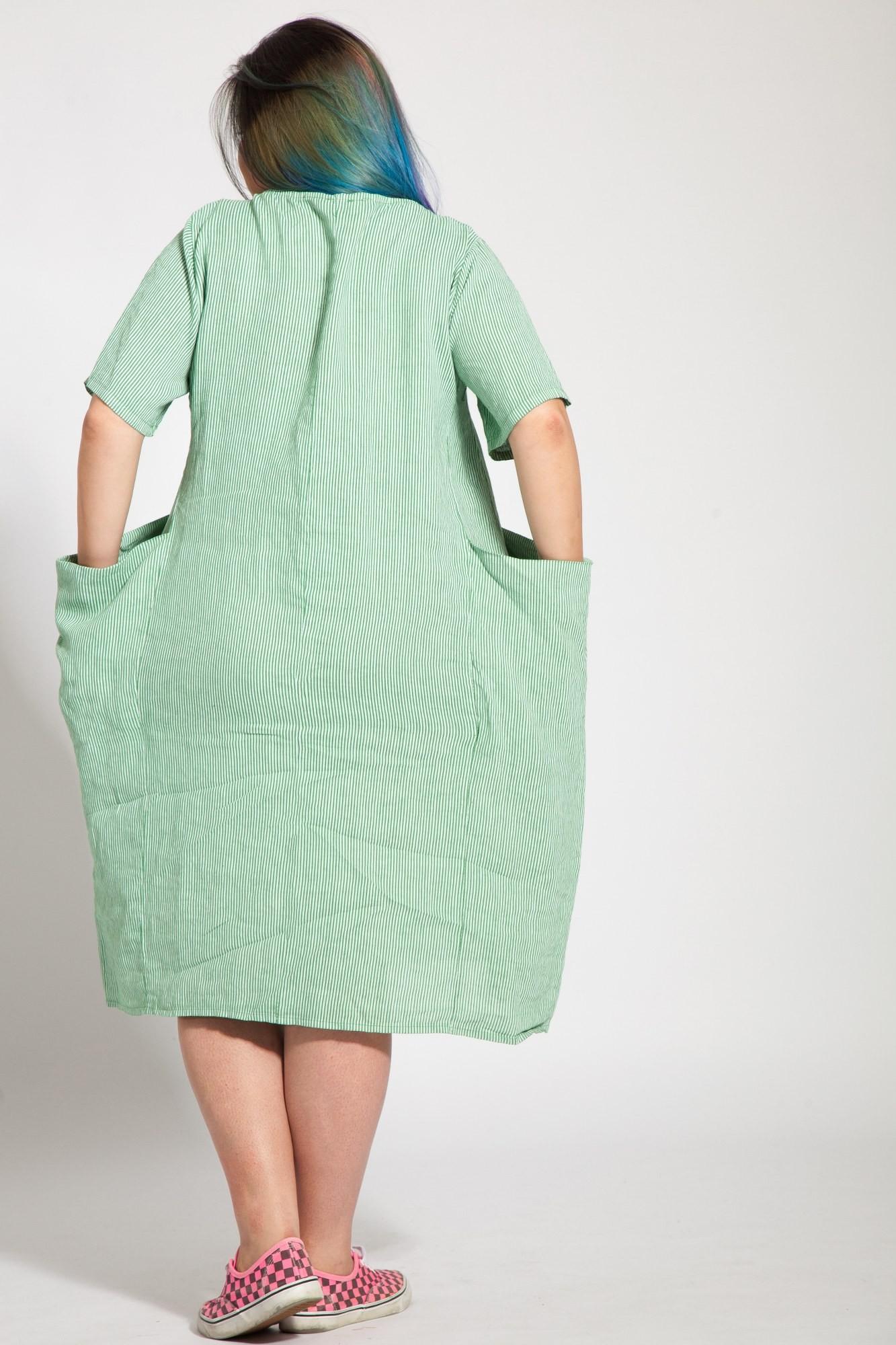 Rochie alba din in cu dungi verzi