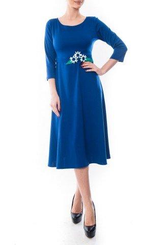 Rochie albastra in clos Dona Kyros cu aplicatii