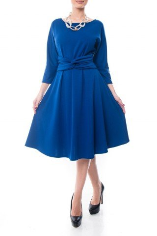 Rochie albastra Dona Kyros in clos cu model