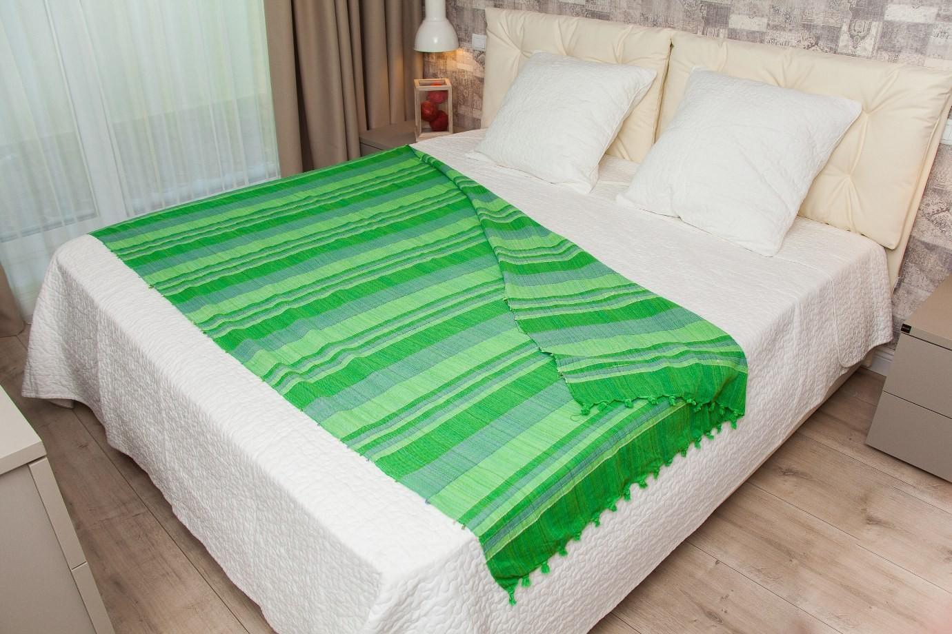 Cuvertura single verde in dungi