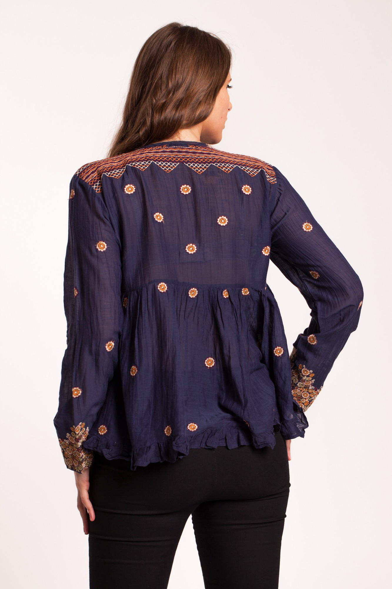 Bluza bleumarin cu broderie marunta florala
