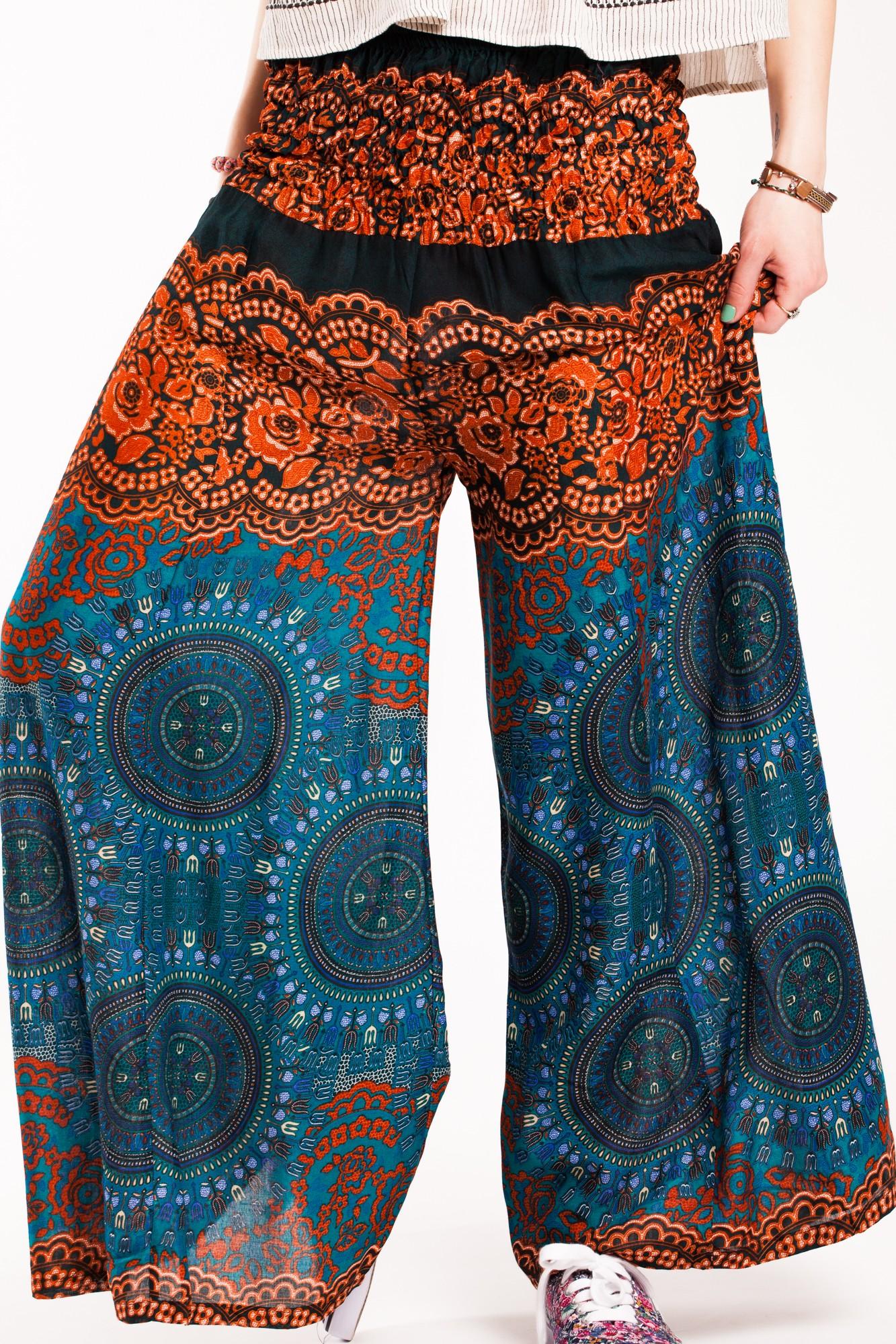 Pantaloni turcoaz evazati din vascoza