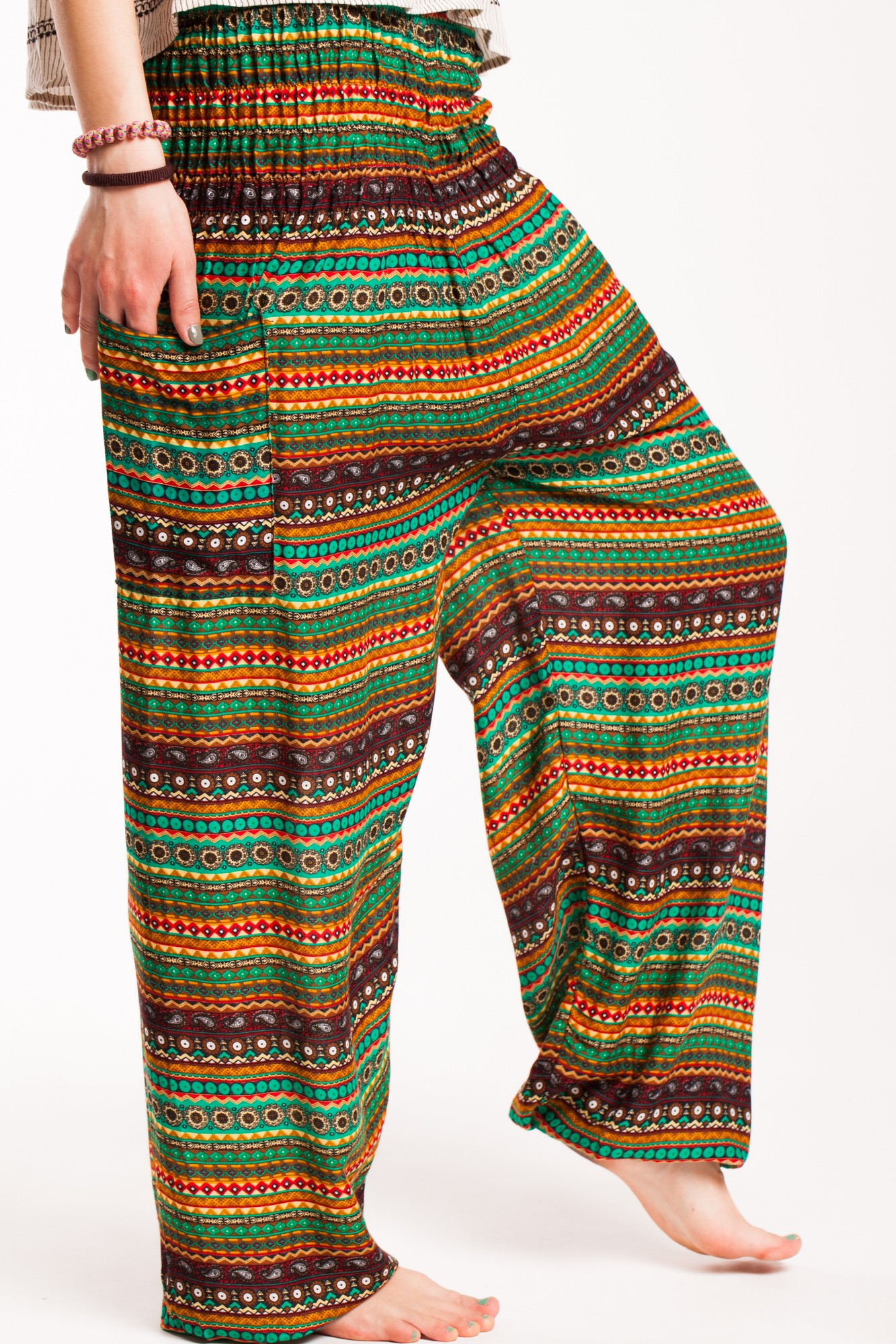 Pantaloni in dungi verzi din vascoza cu elastic lat