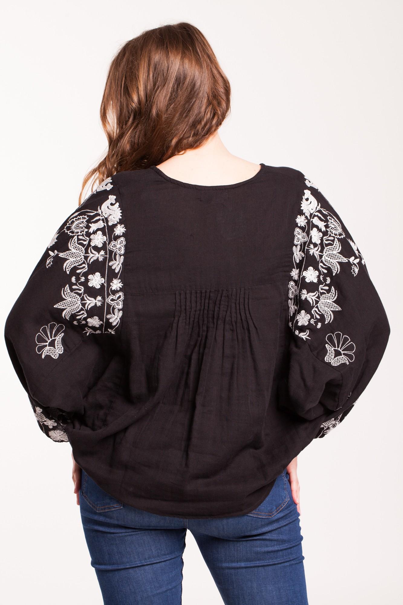 Bluza negra Batik din panza de bumbac brodata