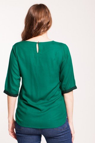 Bluza verde din vascoza cu broderie neagra