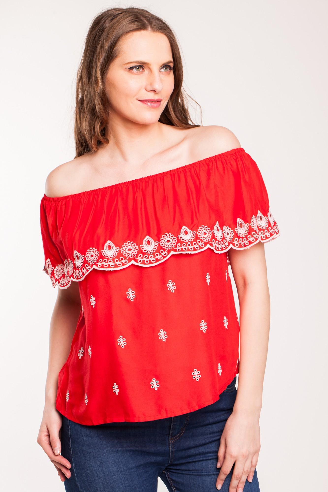 Bluza rosie din vascoza Agasia cu broderie alba si elastic umeri