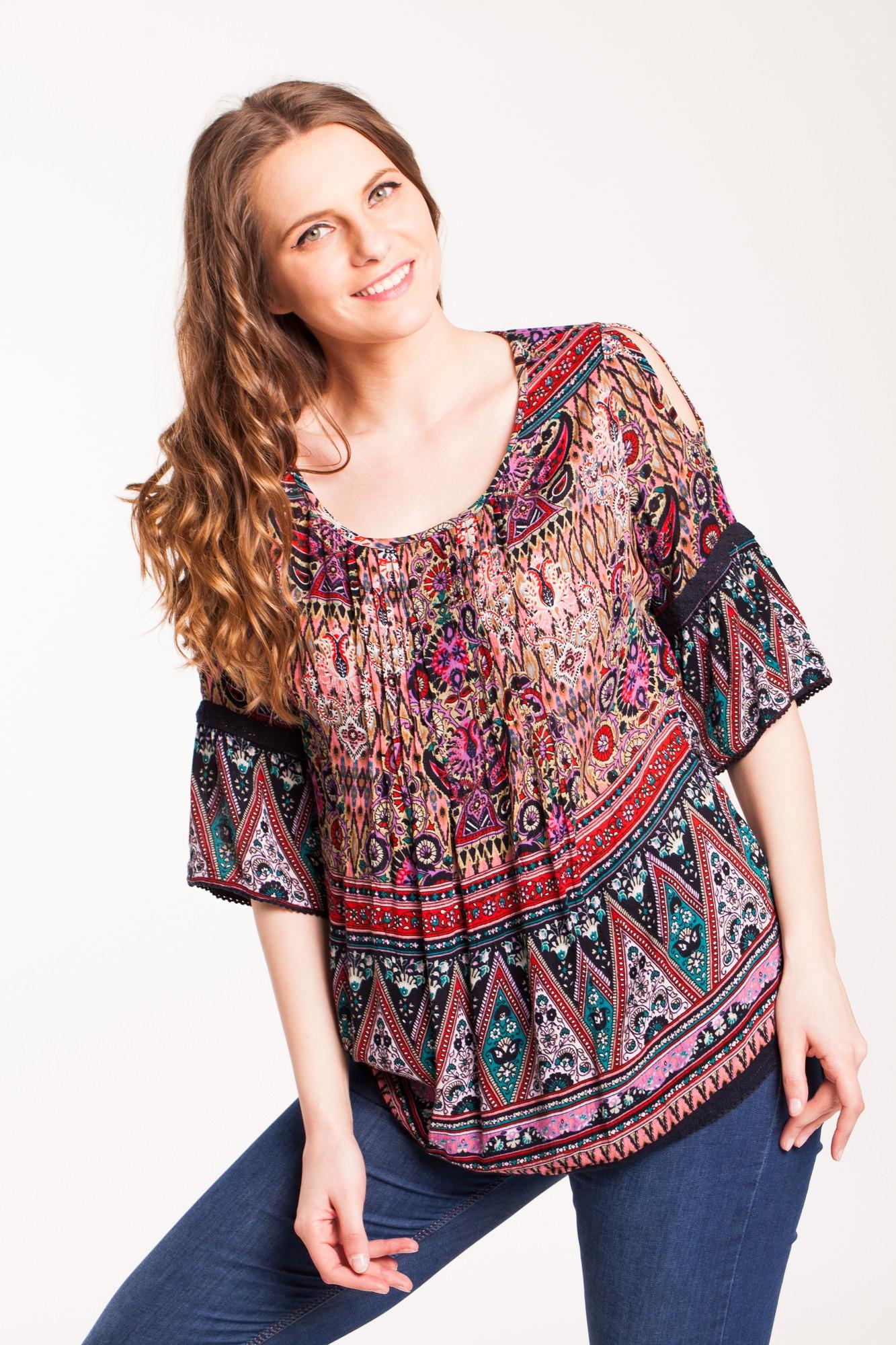 Bluza neagra Benia din vascoza cu imprimeu multicolor