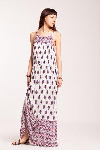 Rochie alba lunga din vascoza cu imprimeu geometric