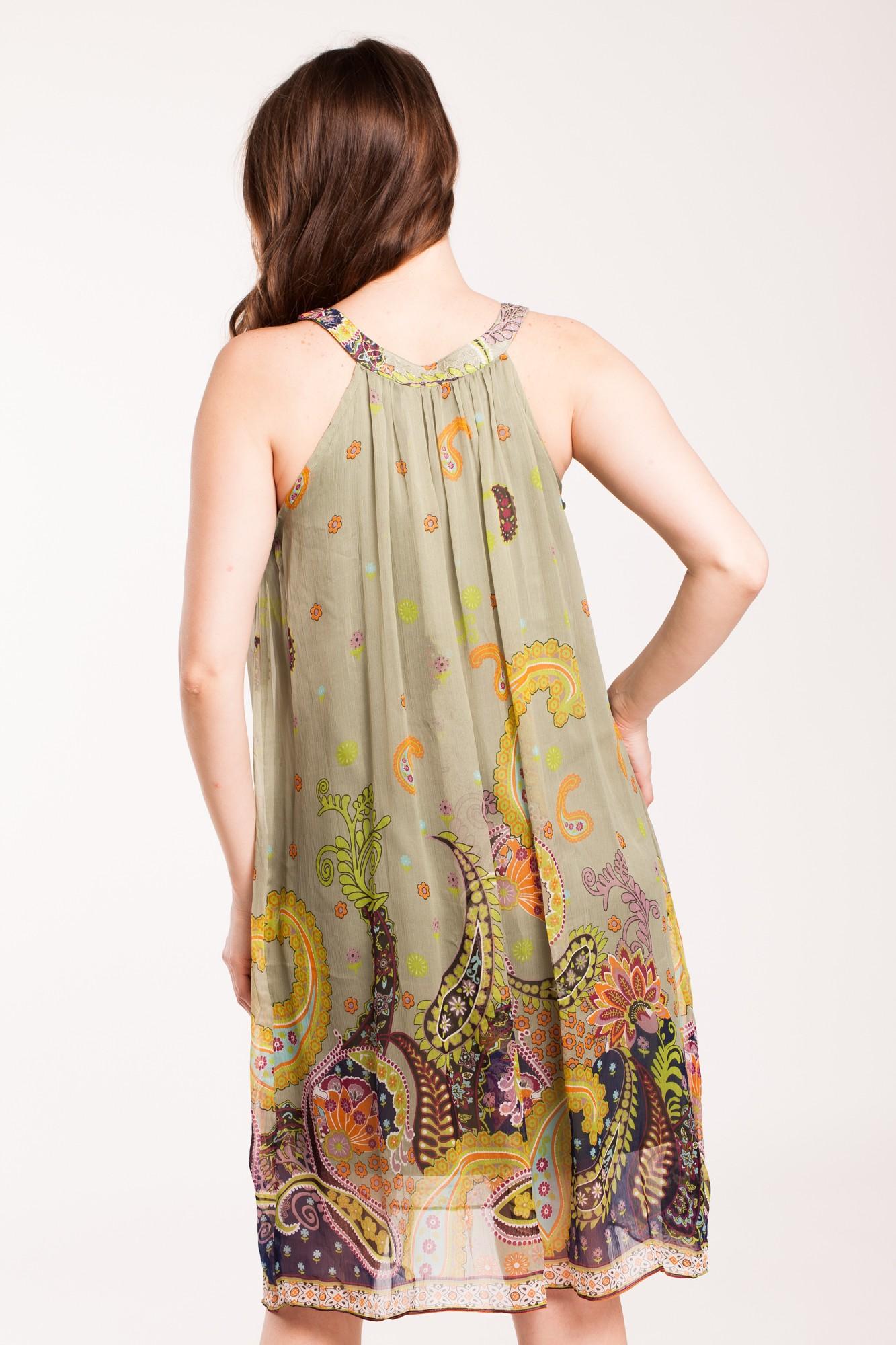 Rochie verde sters midi cu margele aplicate la baza gatului si imprimeu paisley