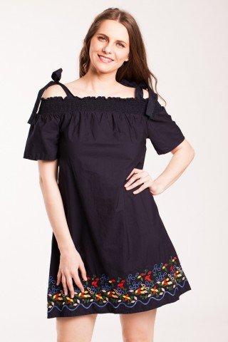 Rochie neagra din bumbac cu elastic umeri si broderie colorata