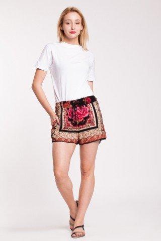Pantaloni scurti crem din vascoza cu imprimeu floral