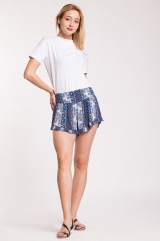 Pantaloni scurti albi Angy din vascoza cu elastic