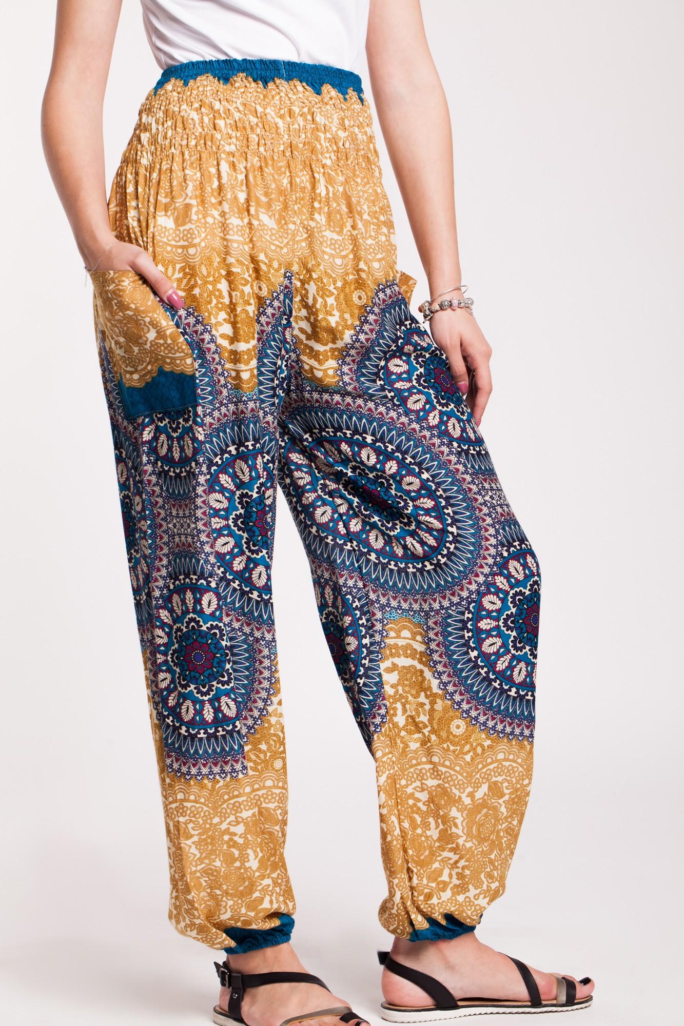 Pantaloni mandala galben-mustar din vascoza cu elastic lat