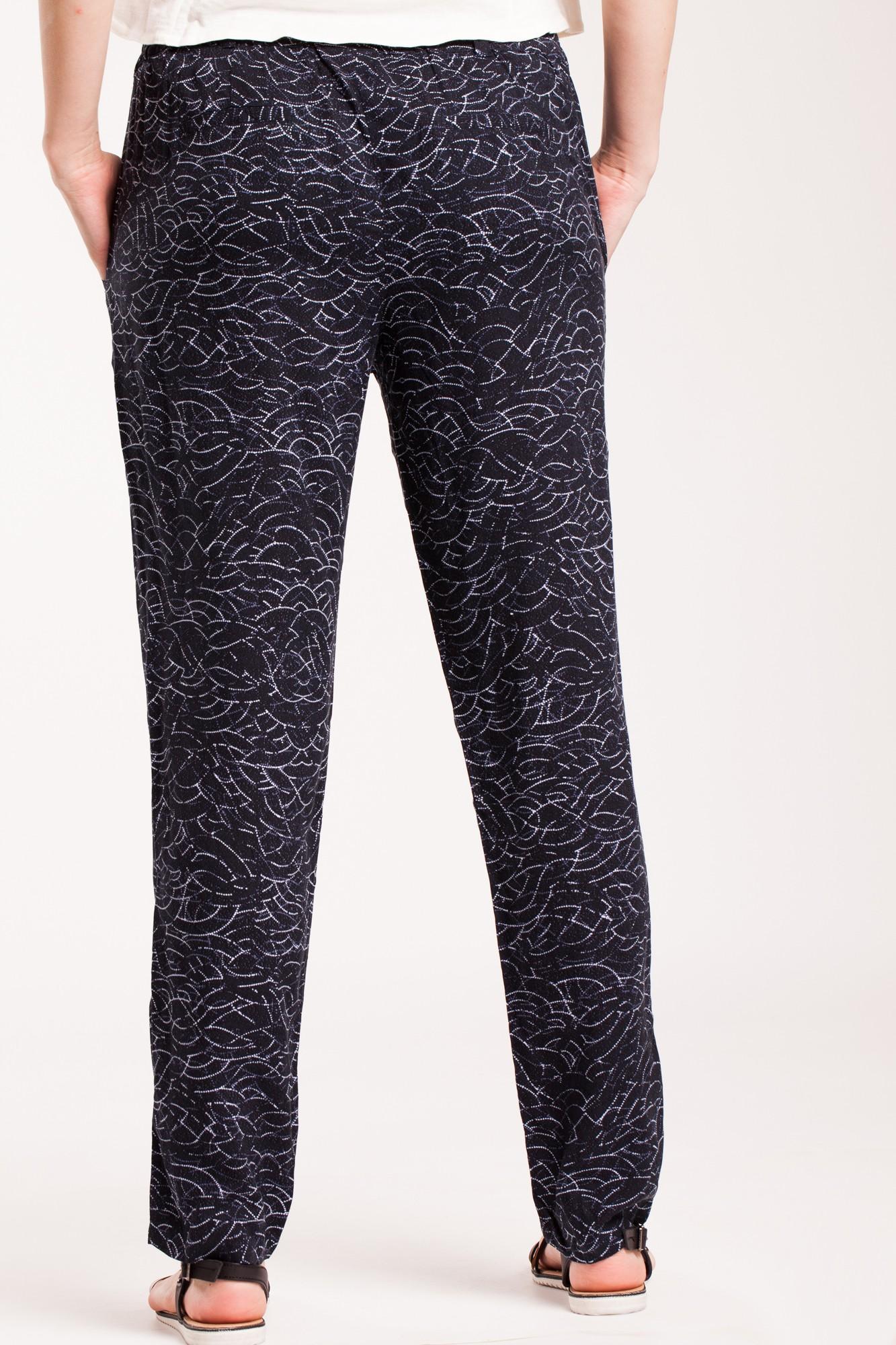Pantaloni negri din vascoza cu imprimeu alb