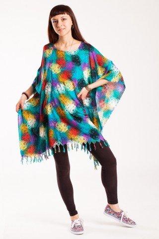Poncho turcoaz cu imprimeu multicolor si franjuri
