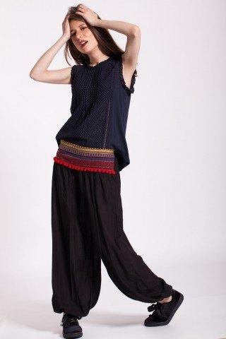 Pantaloni negri cu brau traditional si ciucuri