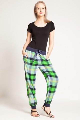 Pantaloni bleumarin in carouri verzi