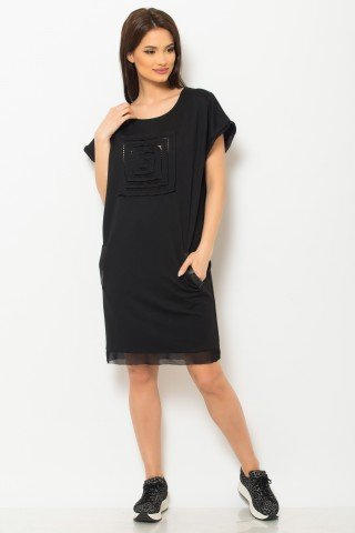 Rochie de zi neagra cu buzunare si aplicatie plasa