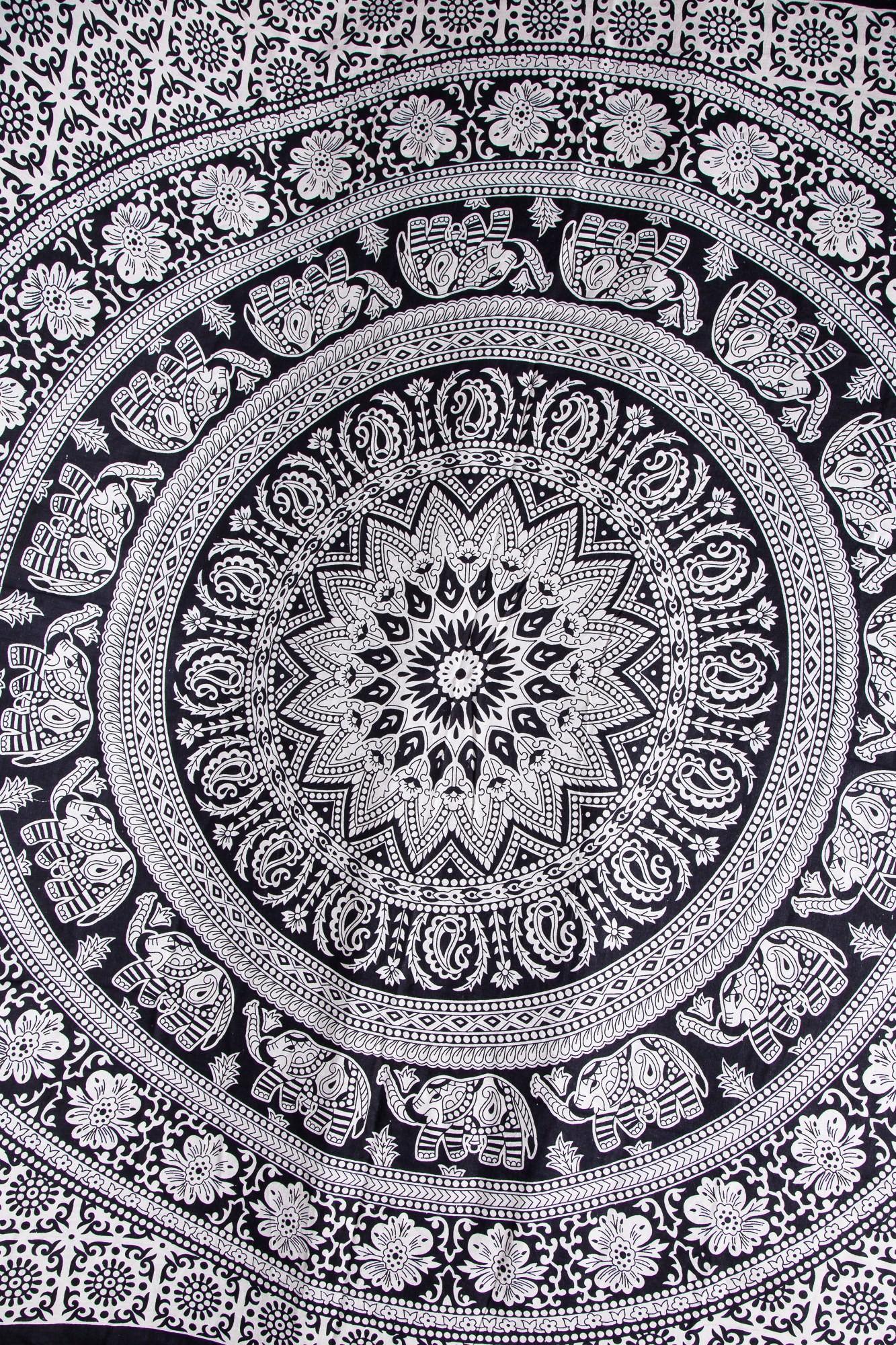 Cuvertura alba cu imprimeu floral si bordura neagra-single