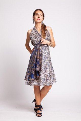 Rochie alba cu floricele albastre