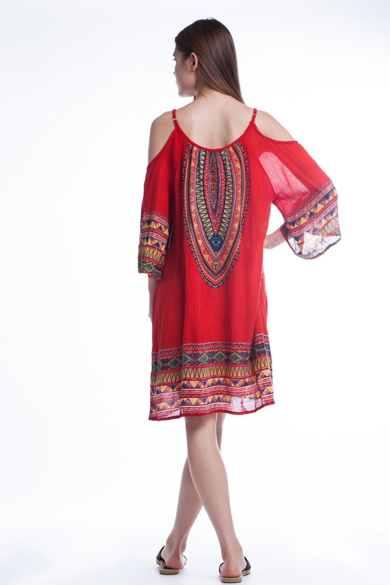 Rochie rosie cu umerii decupati bretele reglabile si imprimeu etnic