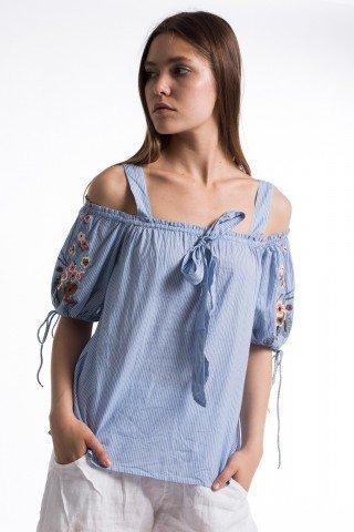 Bluza bleu cu dungi albe maneci balon brodate bretele si funda