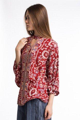 Bluza caramizie cu imprimeu floral si etnic
