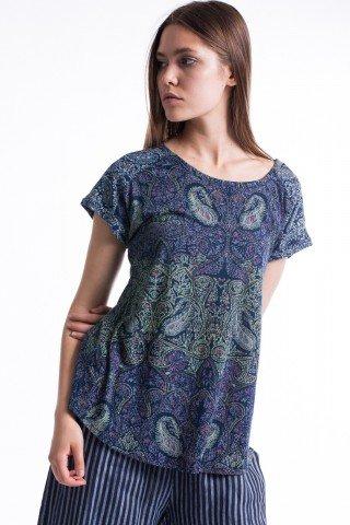 Tricou bleumarin cu imprimeu paisley si slit la spate