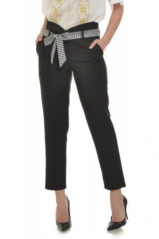 Pantaloni cu cordon in talie negrii
