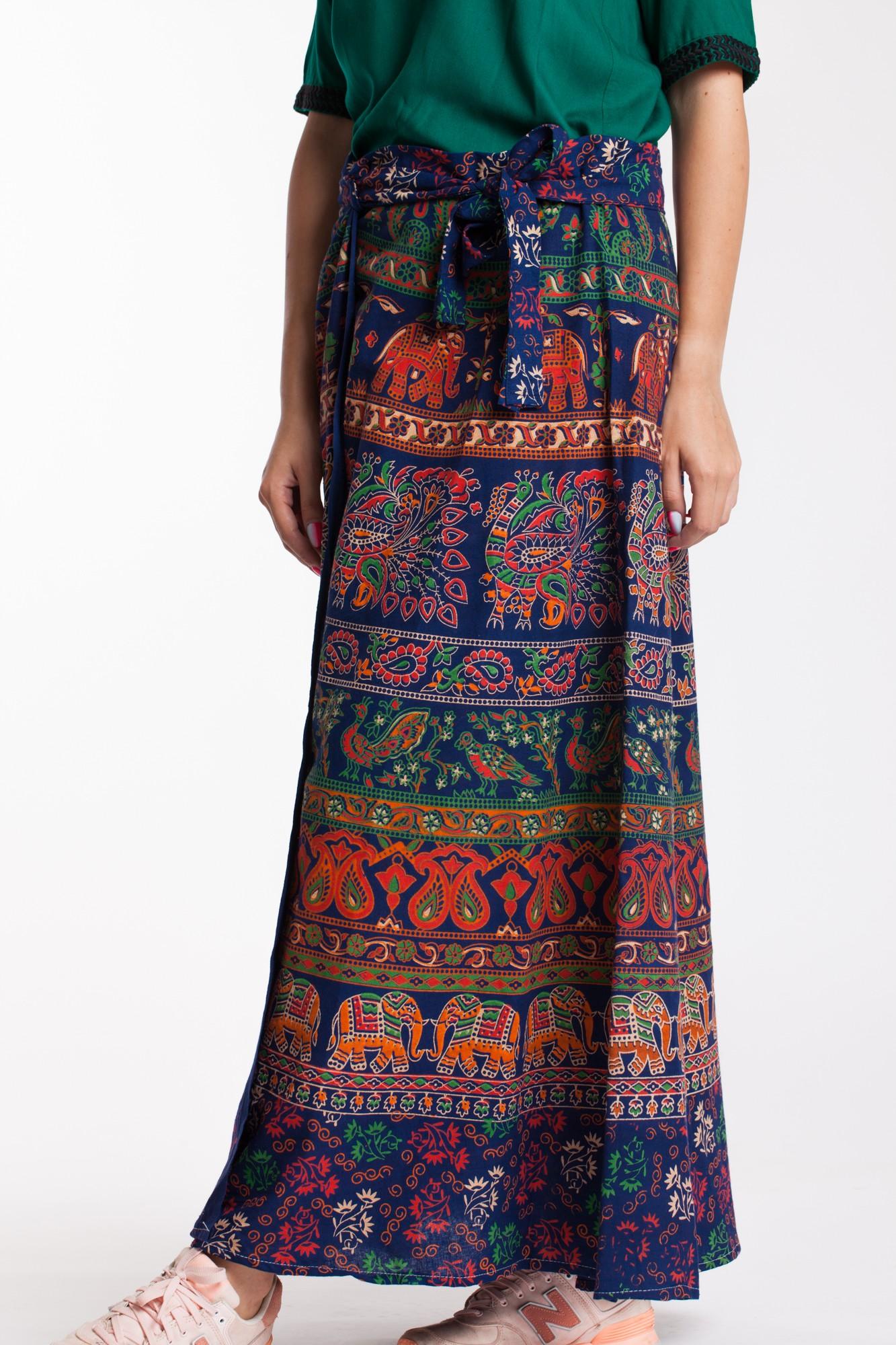 Fusta petrecuta bleumarin cu imprimeu multicolor