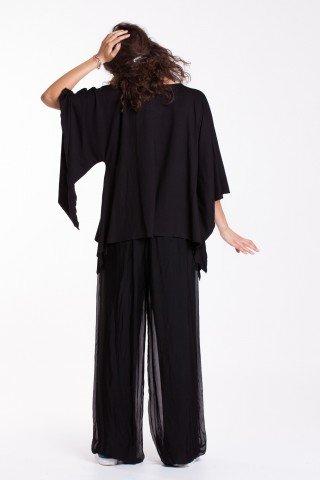 Bluza neagra cu maneci largi si fluture aplicat