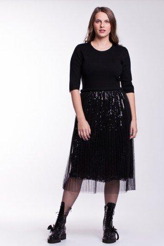 Rochie neagra tricotata cu tulle si paiete