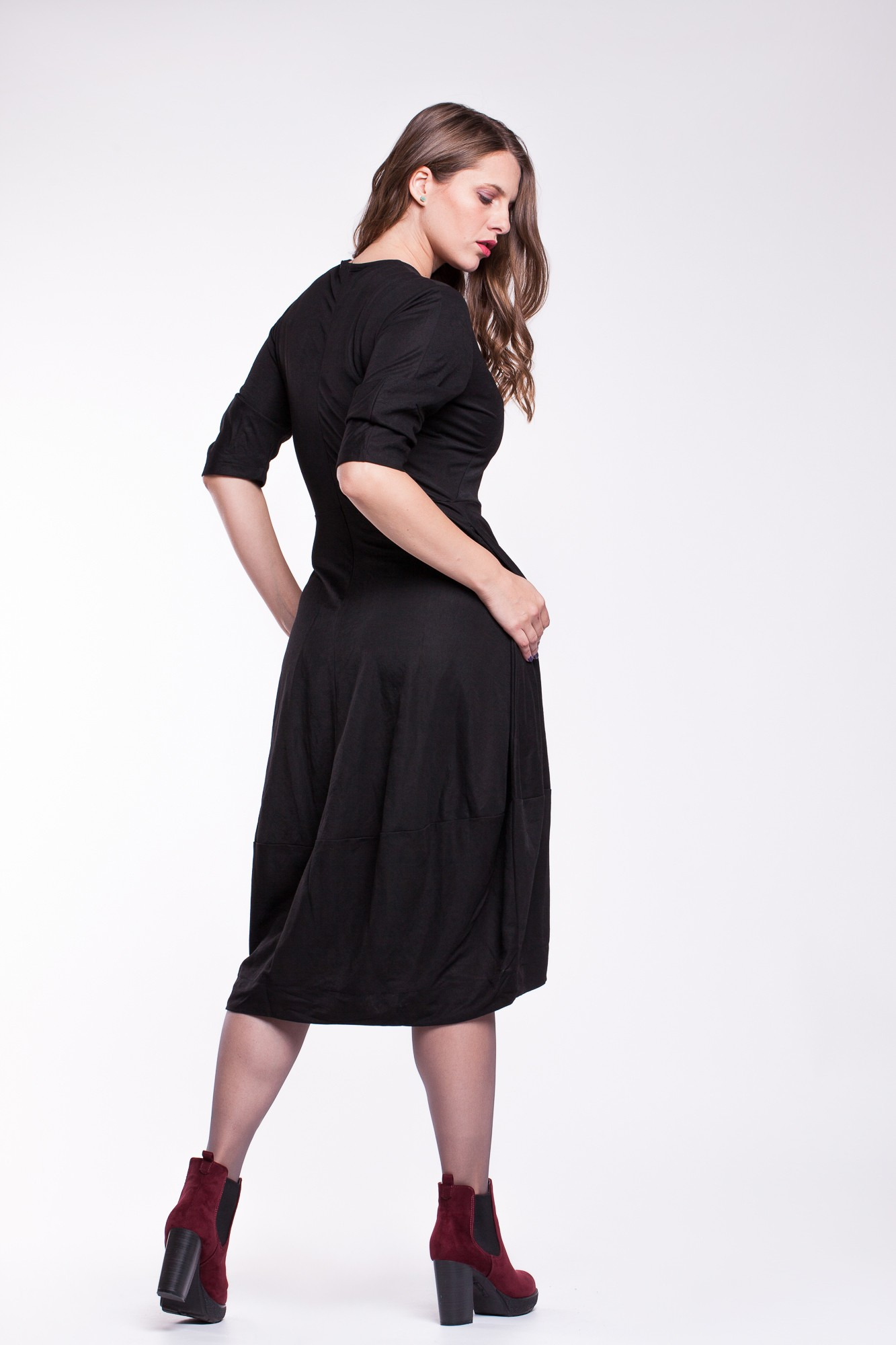 Rochie neagra eleganta structurata tip balon