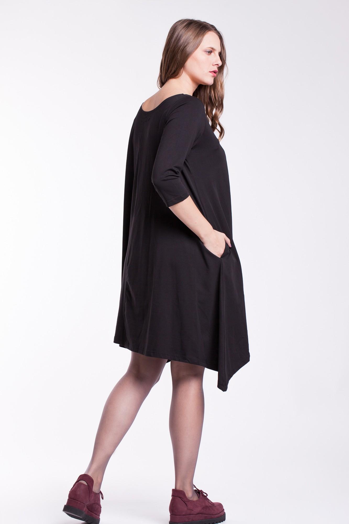 Rochie neagra asimetrica cu brad aplicat