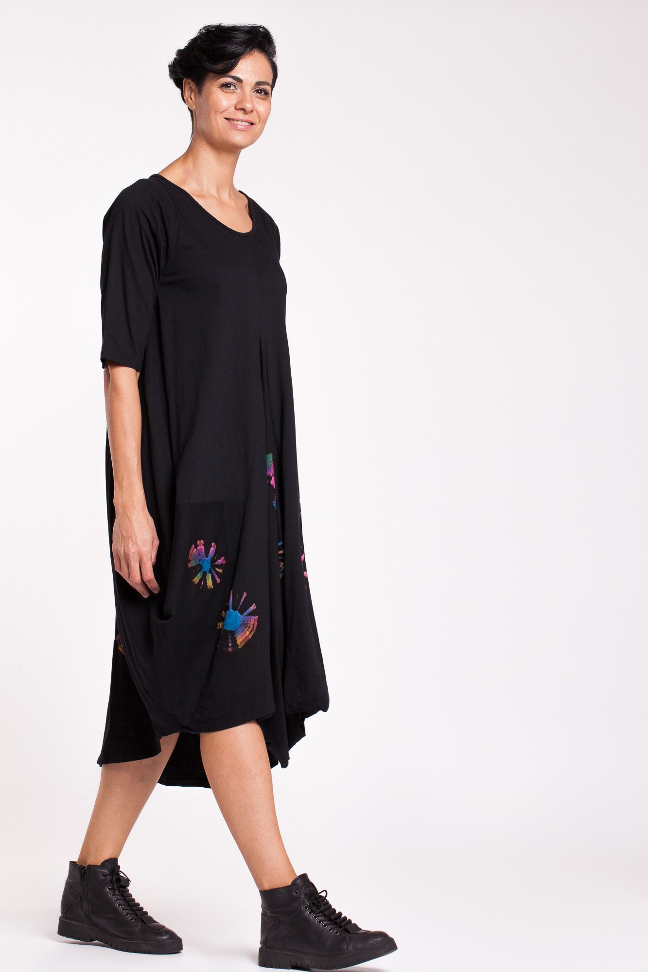 Rochie neagra din bumbac cu flori Tye-Dye