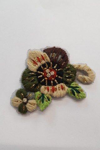 Aplicatie macrame florala maro-verde-bej cu margele