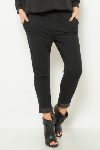 Pantaloni negri cu manseta din piele ecologica si snur in talie