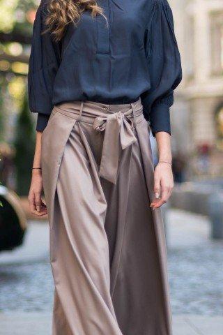 Pantaloni largi cu funda in talie