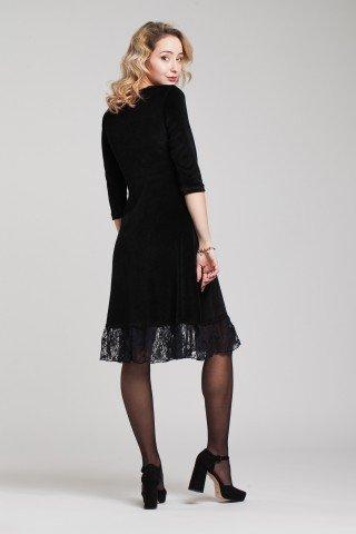 Rochie din catifea neagra cu volan din dantela