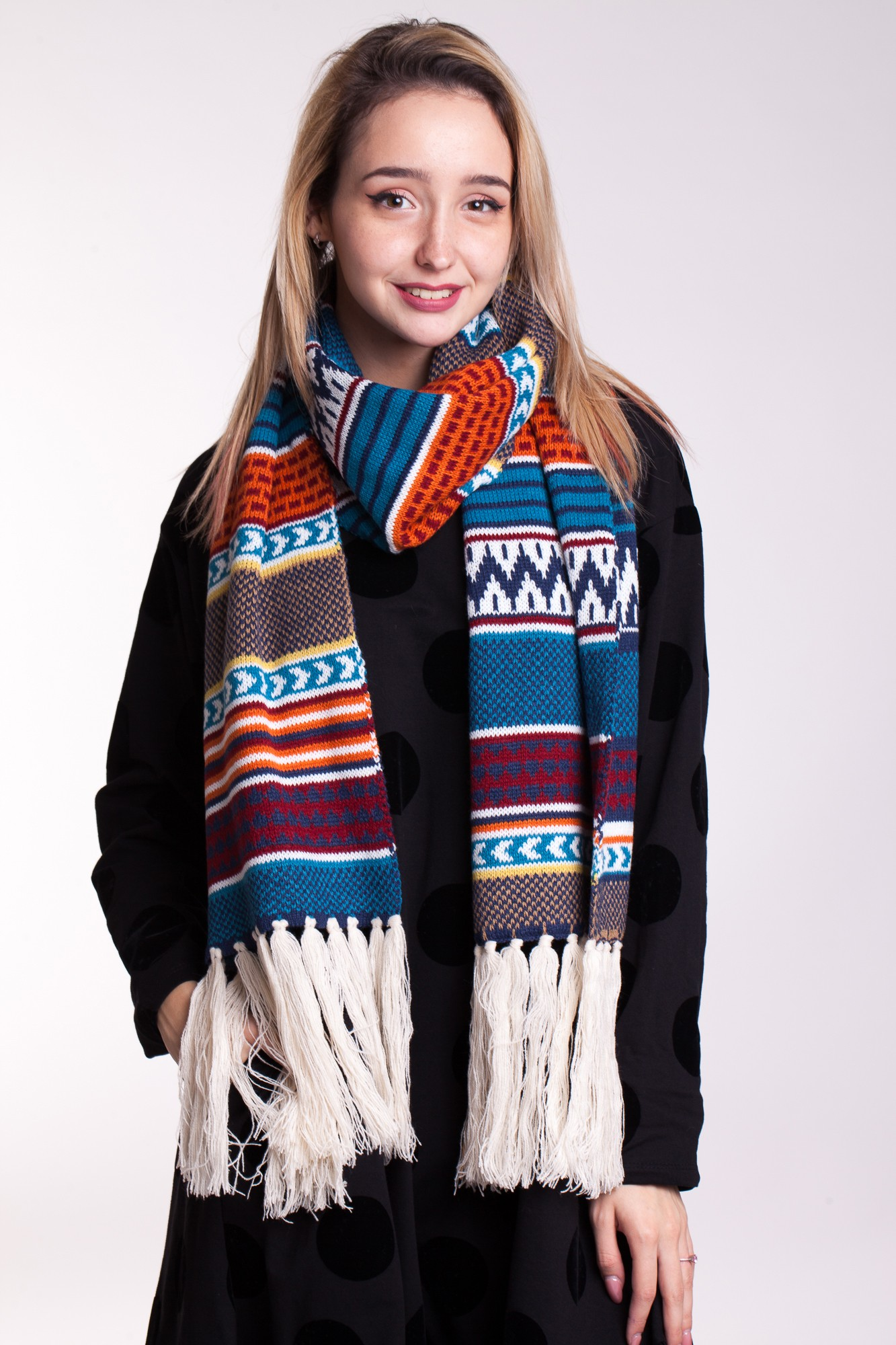 Fular multicolor cu franjuri lungi