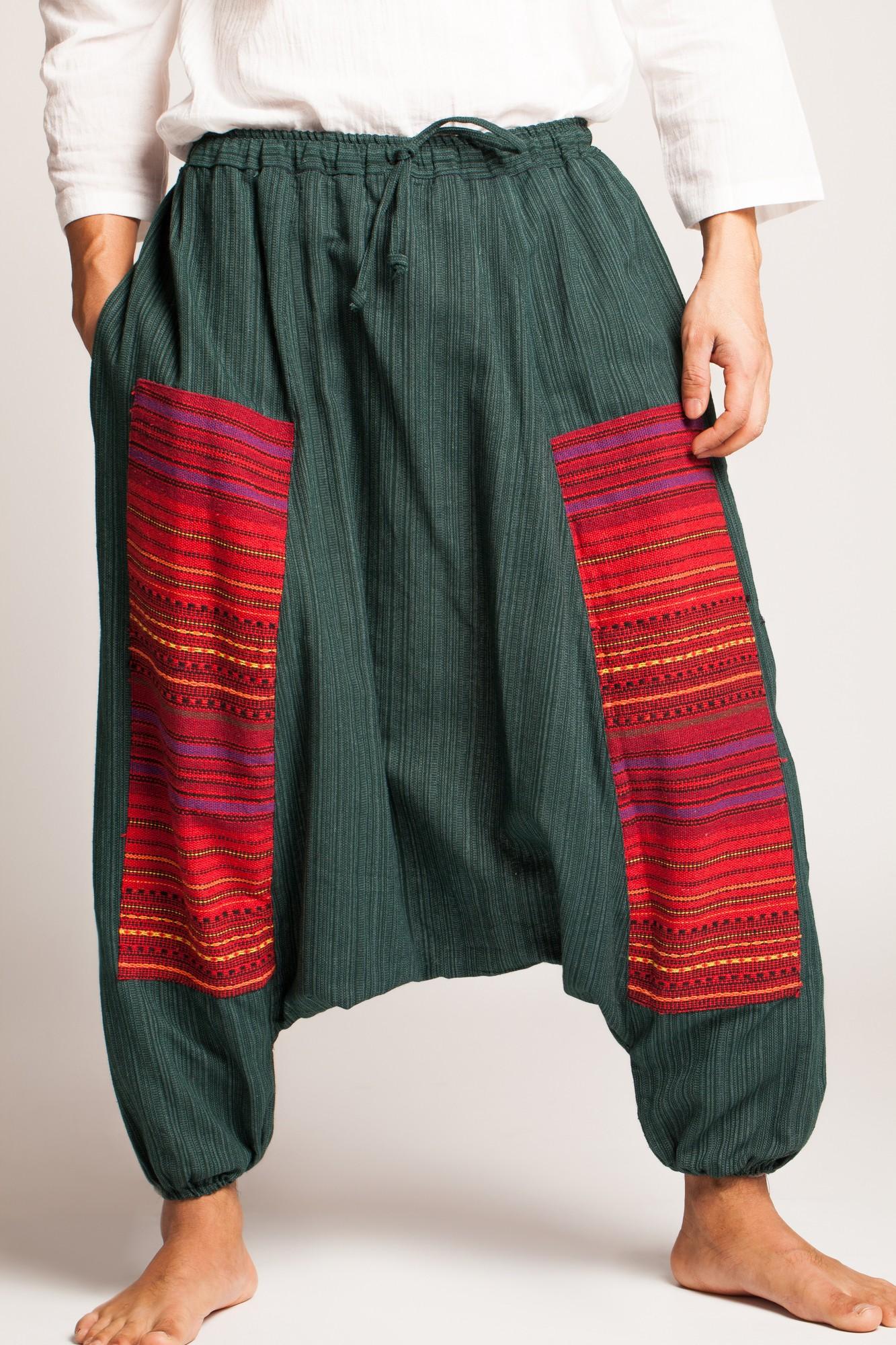 Salvari verde inchis texturat cu motive etnice