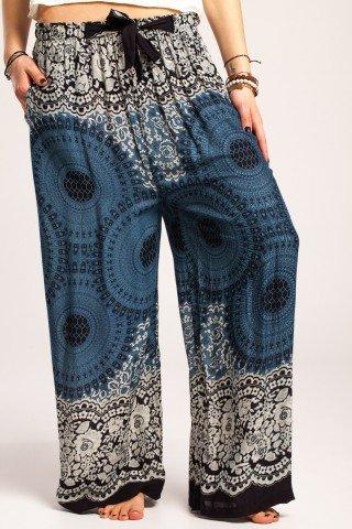 Pantaloni boho largi negri din vascoza cu mandala si flori