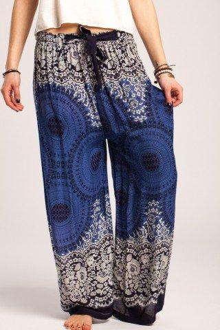 Pantaloni boho largi bleumarin din vascoza cu mandale si flori