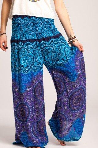 Pantalon albastra cu mandale si flori