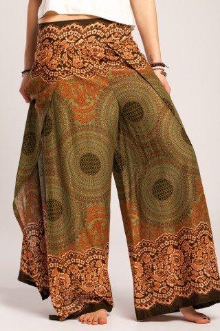 Pantaloni petrecuti din vascoza multicolora