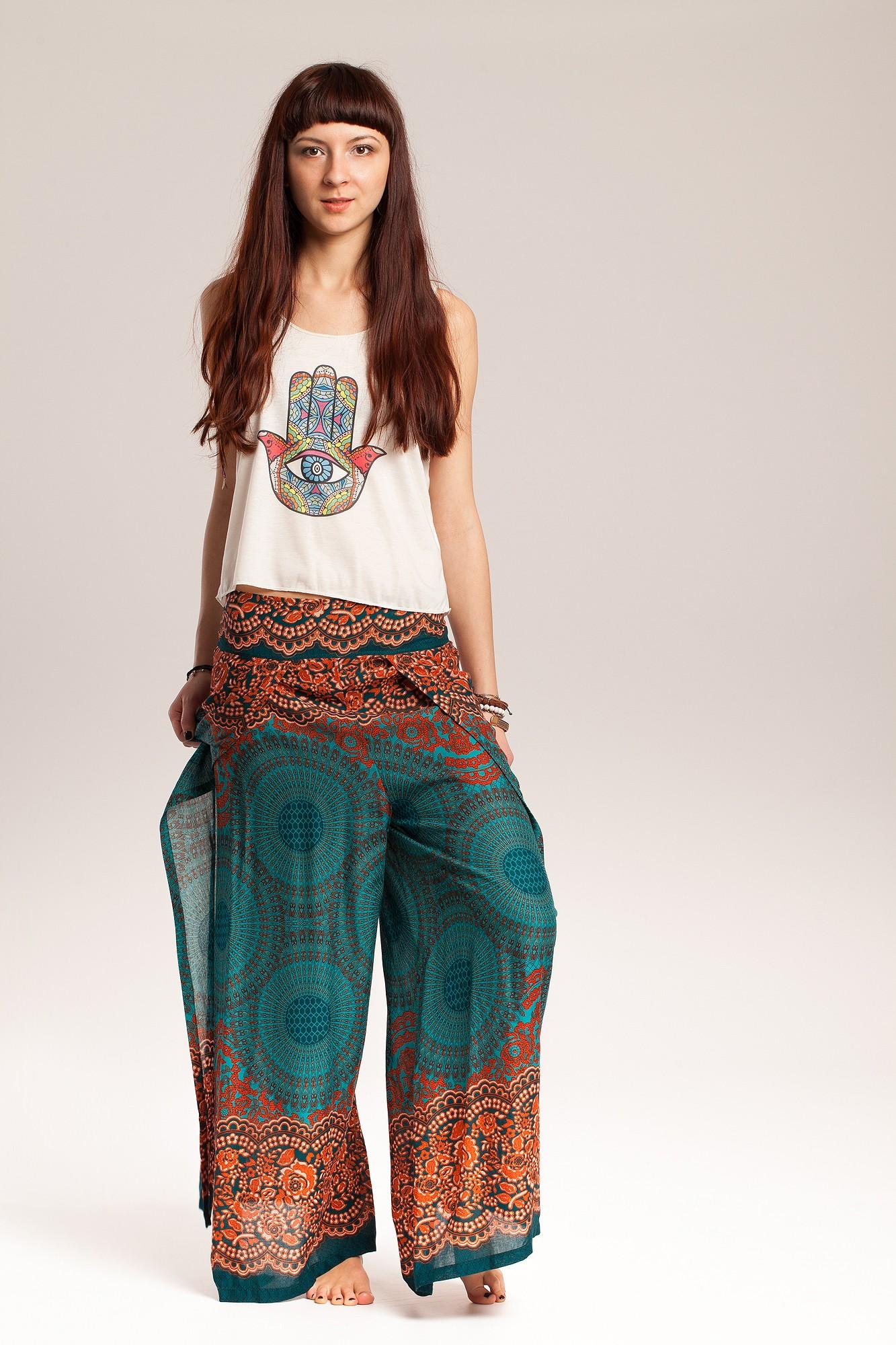 Pantaloni petrecuti cu mandala si flori