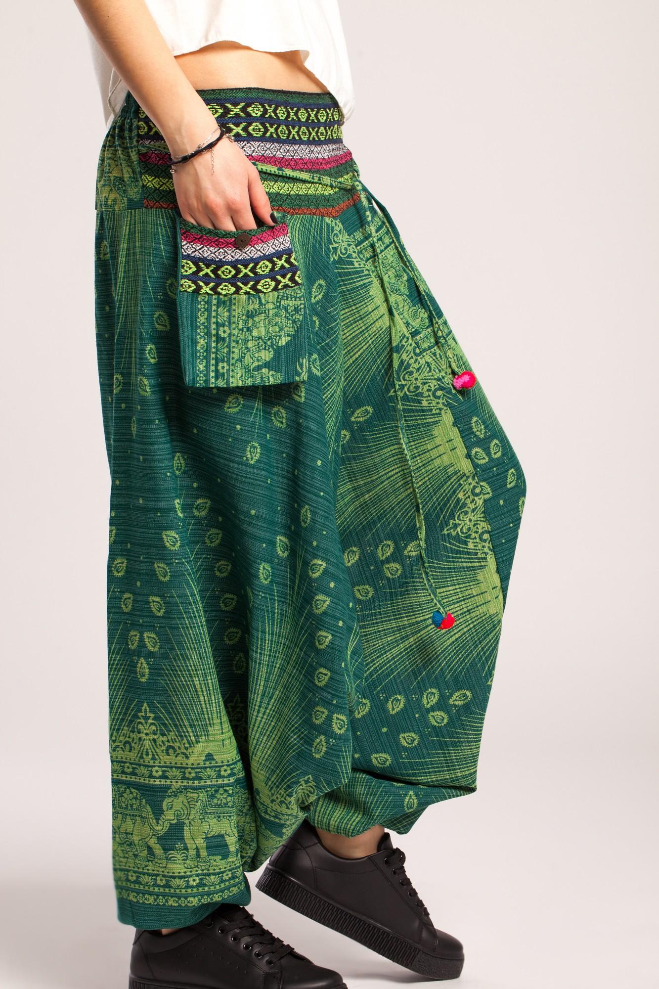 Salvari verzi din bumbac gros, imprimeu coada de paun si brau etnic